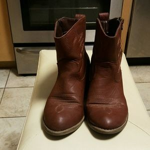 Sexy, beautiful boots for sale size 6 1/2
